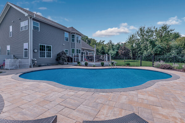 Stone Ridge XL Westchester Blend pool decking