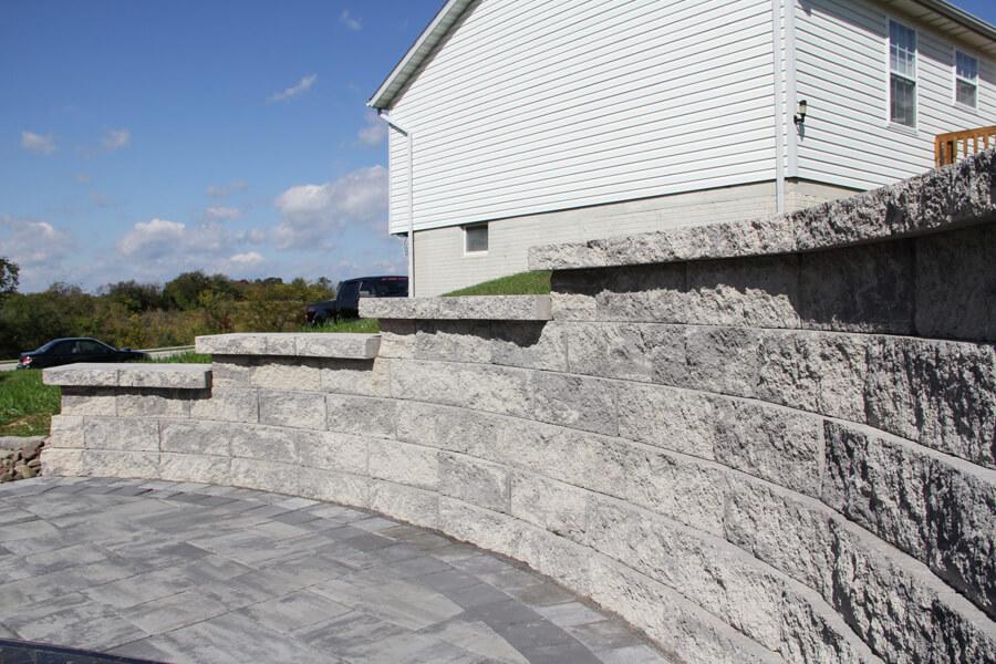 Nicolock retaining wall alta pro wall granite city blend