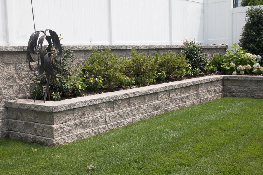 Nicolock retaining wall alta wall granite city blend